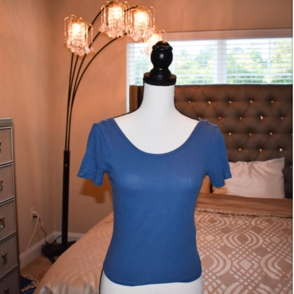 Hollister Tops - NEW LISTING! Blue Hollister Top